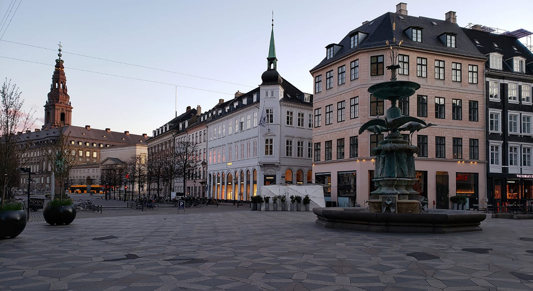 Empty square in Copenhagen, 30 March 2020
